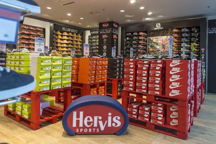 f87ec39985e Hervis Sports otevírá v Plzni pop-up outlet